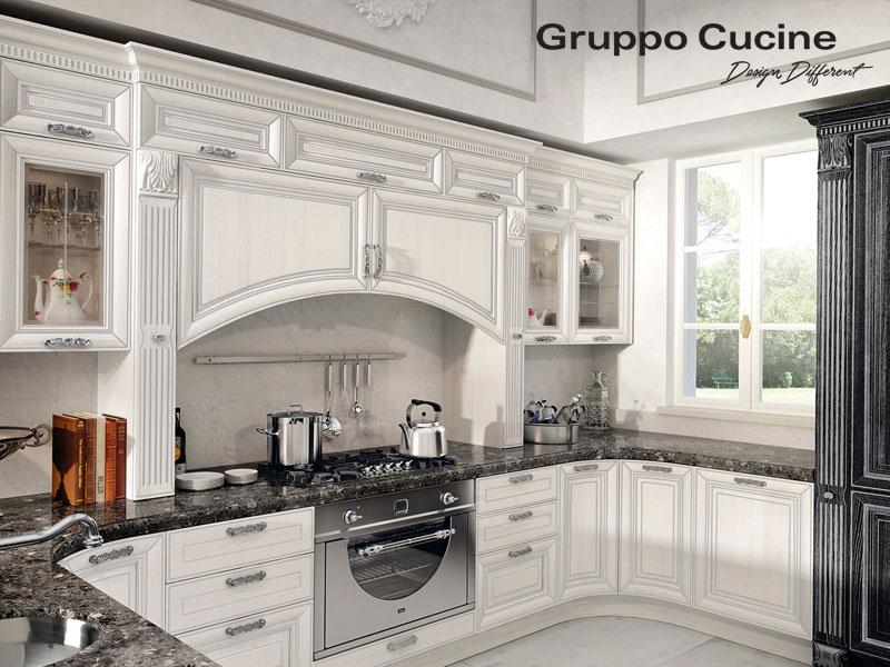 επιπλο κουζινας με μαρμαρινο παγκο